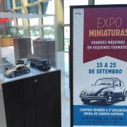 Exposição de carros antigos no Metropolitano